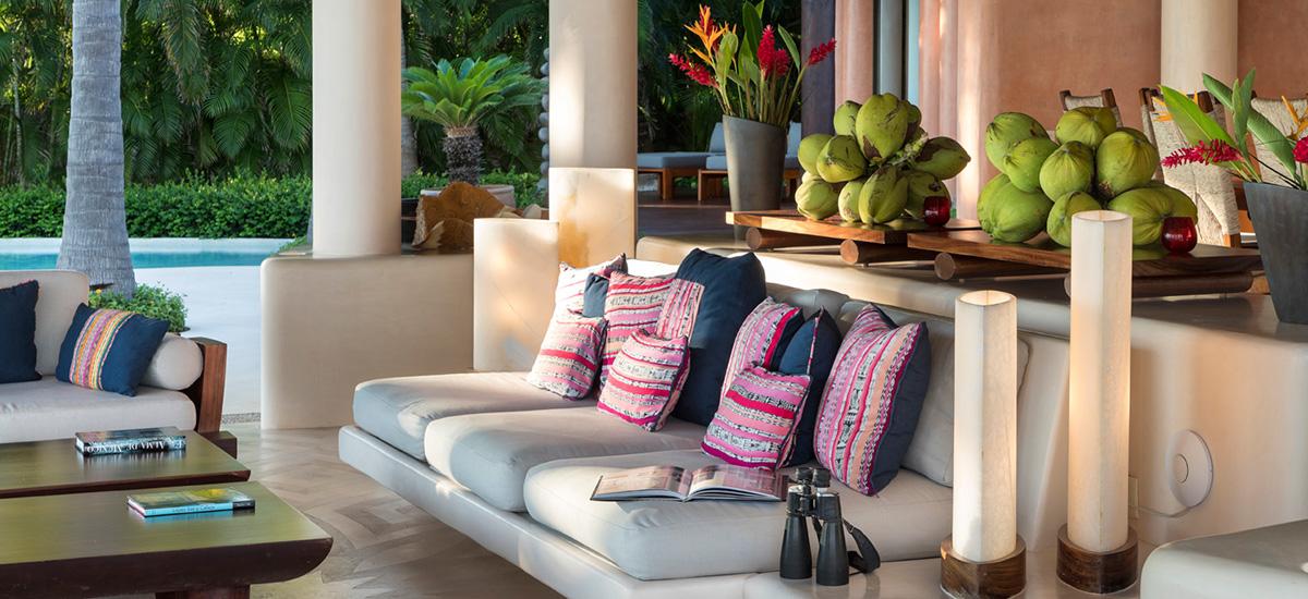 casa tres soles sofa
