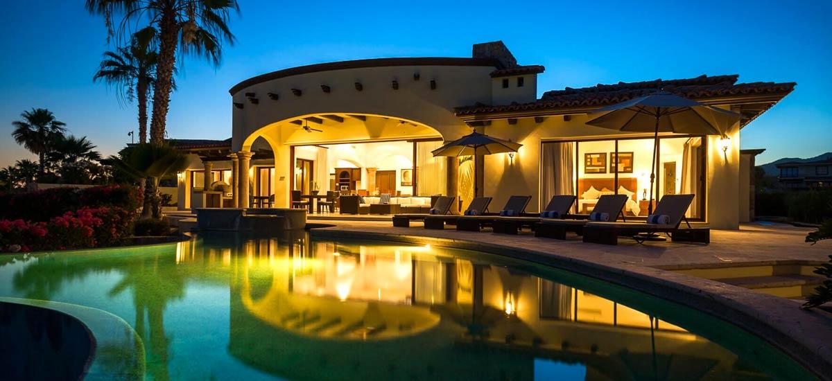 casa tropico at night 3
