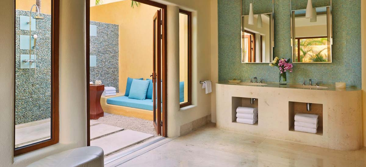 coral villa bathroom