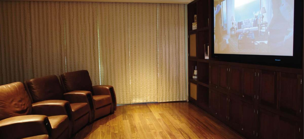 coral villa tv room