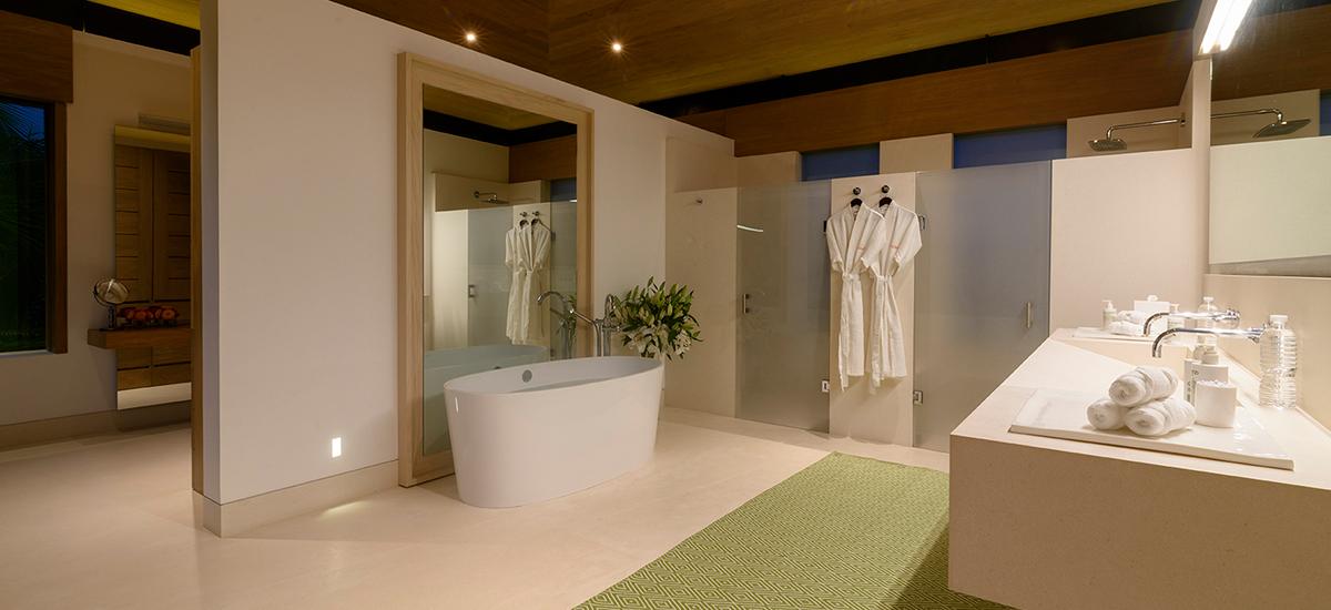 estate amanecer bathroom