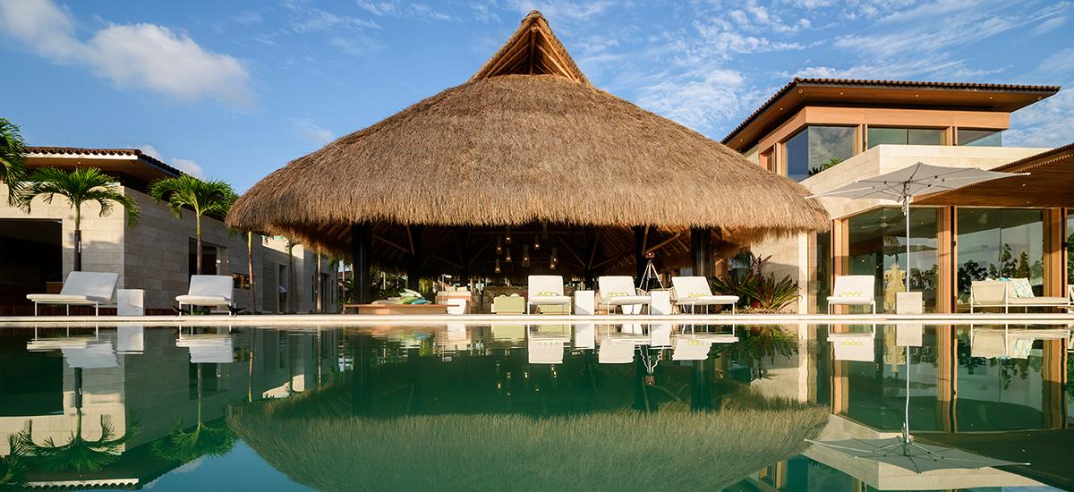 estate amanecer pool palapa