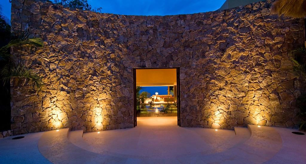 estate cocodrilo entrance