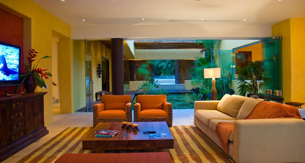 estate cocodrilo living room