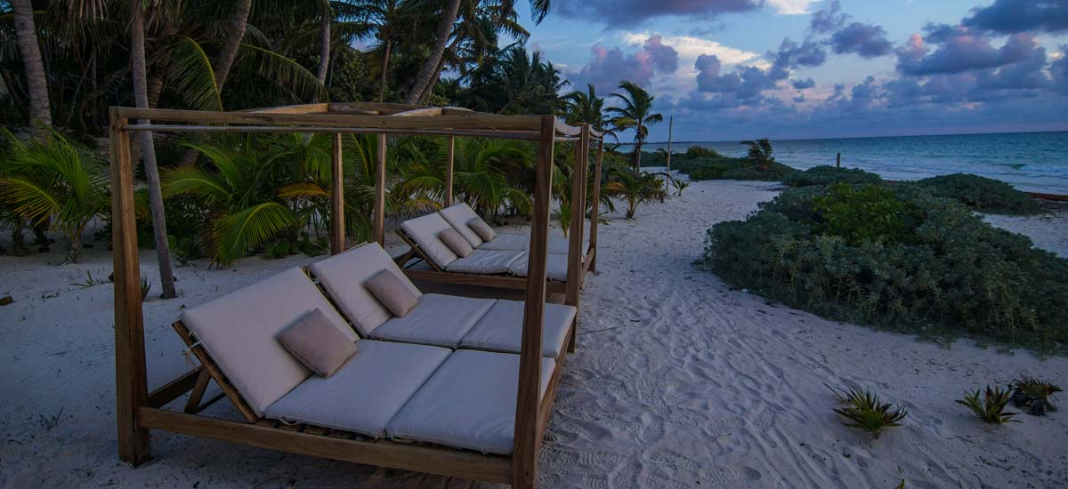 hacienda chekul beach beds