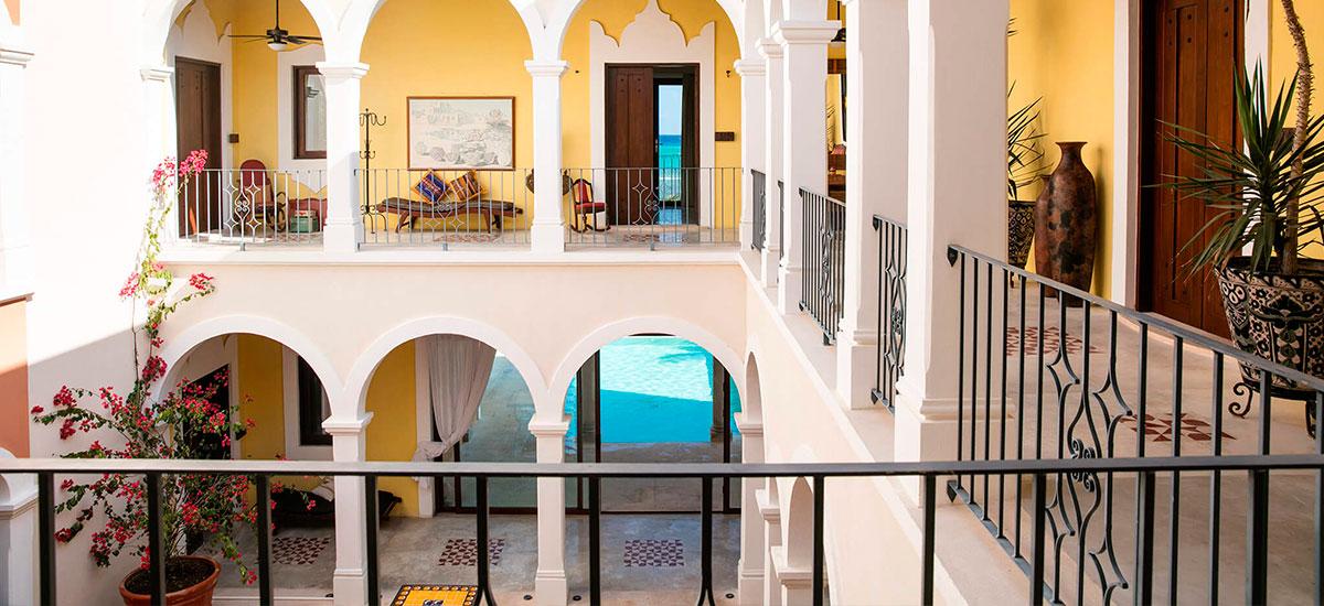 hacienda magica inside balcon
