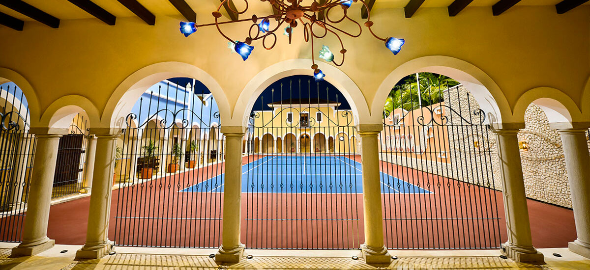 hacienda magica tennis court