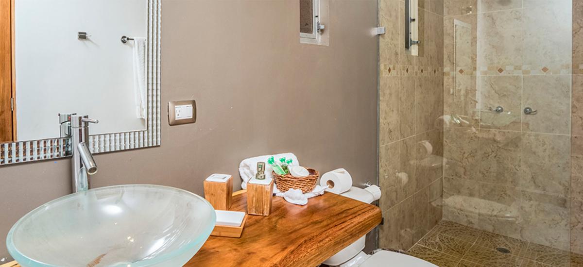 hacienda paraiso bathroom 2