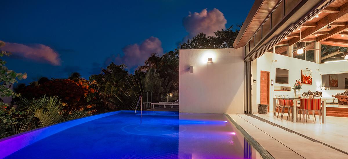 kite house pool night