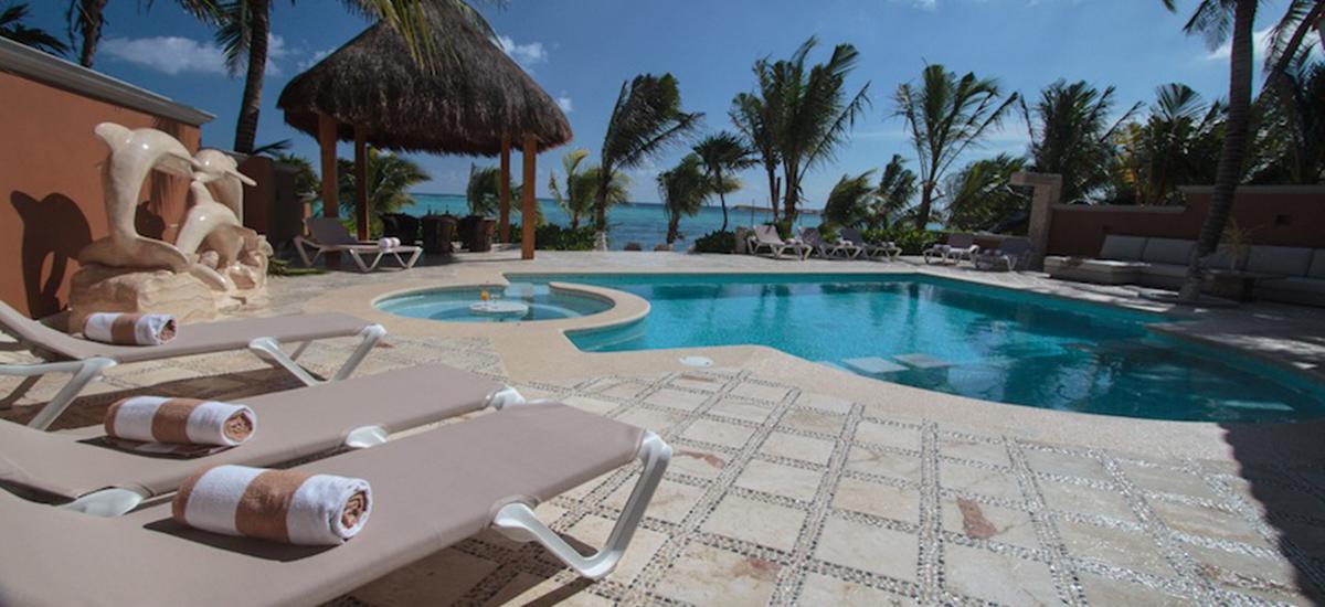 lol beh villa pool 2