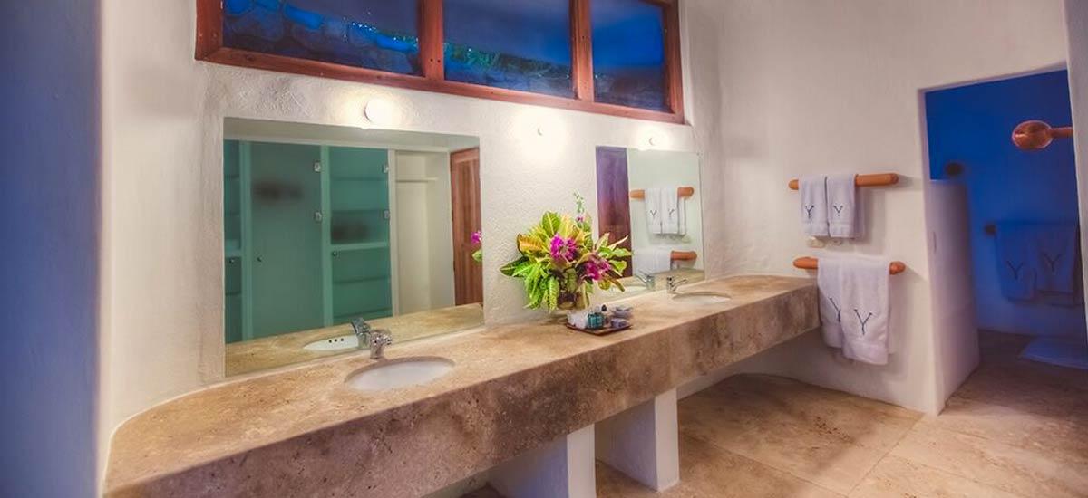 rancho huracan bathrooms