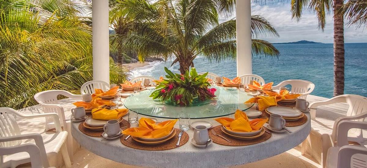 rancho huracan outdoor dining