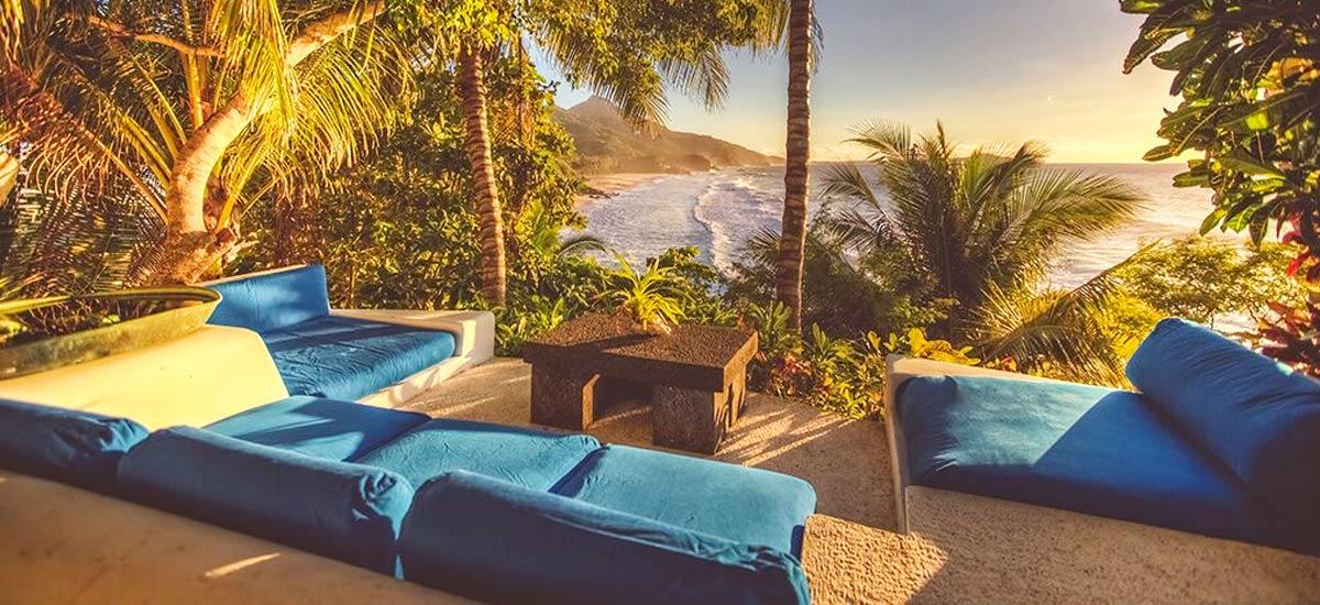 rancho huracan patio lounge