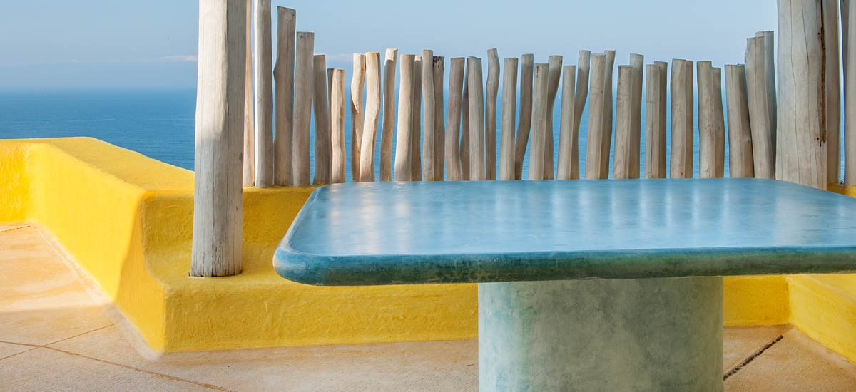 sol de oriente outdoor table