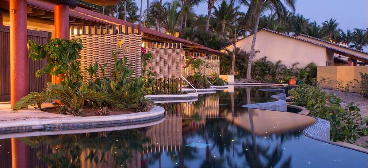 sol villa pool