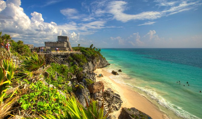 The beach-side ruins in Tulum