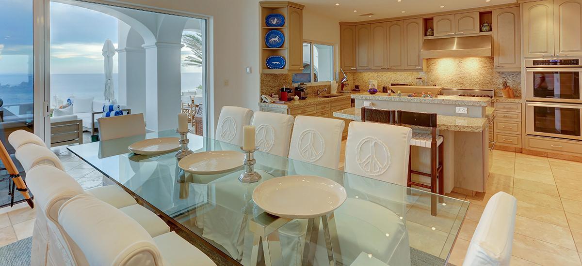 villa 322 dinner room