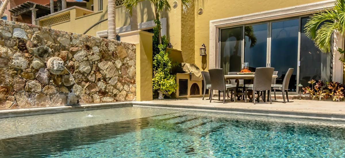 villa 366 pool area