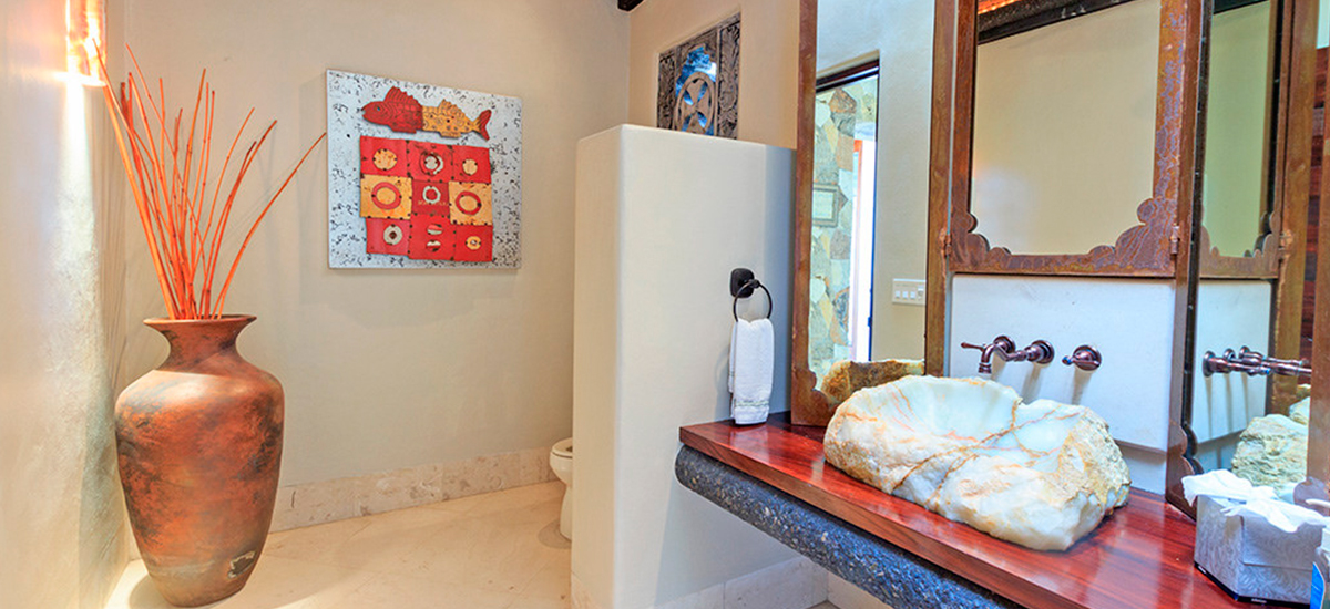 villa alma bathroom 2