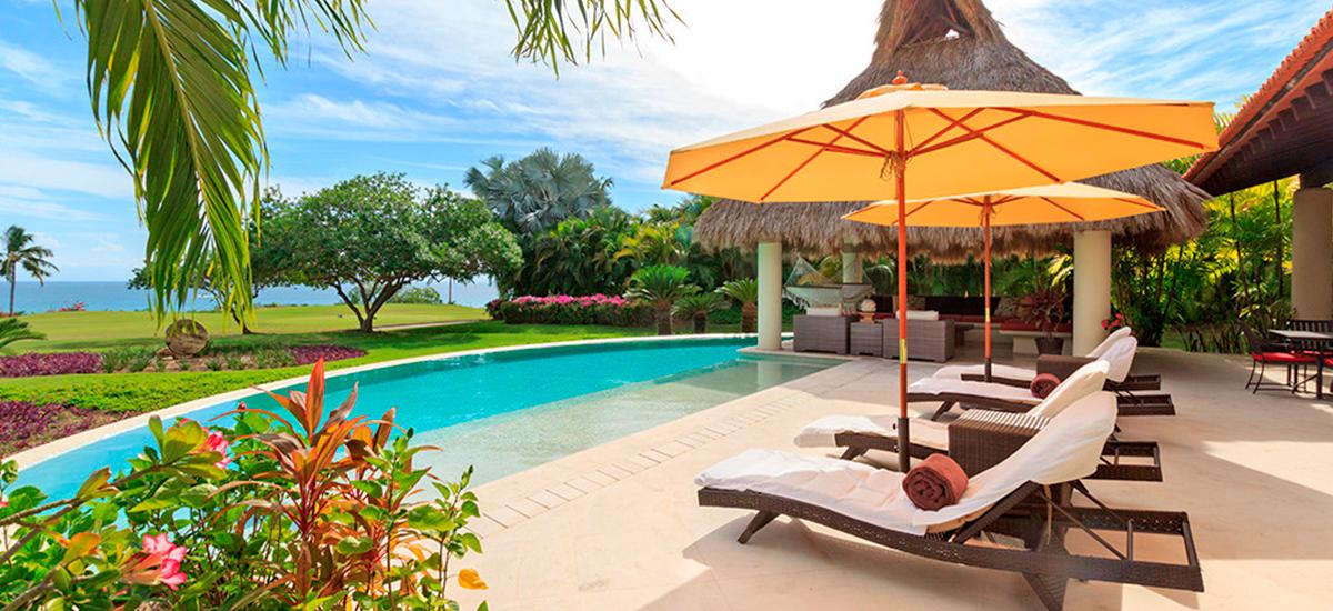 villa alma pool 2