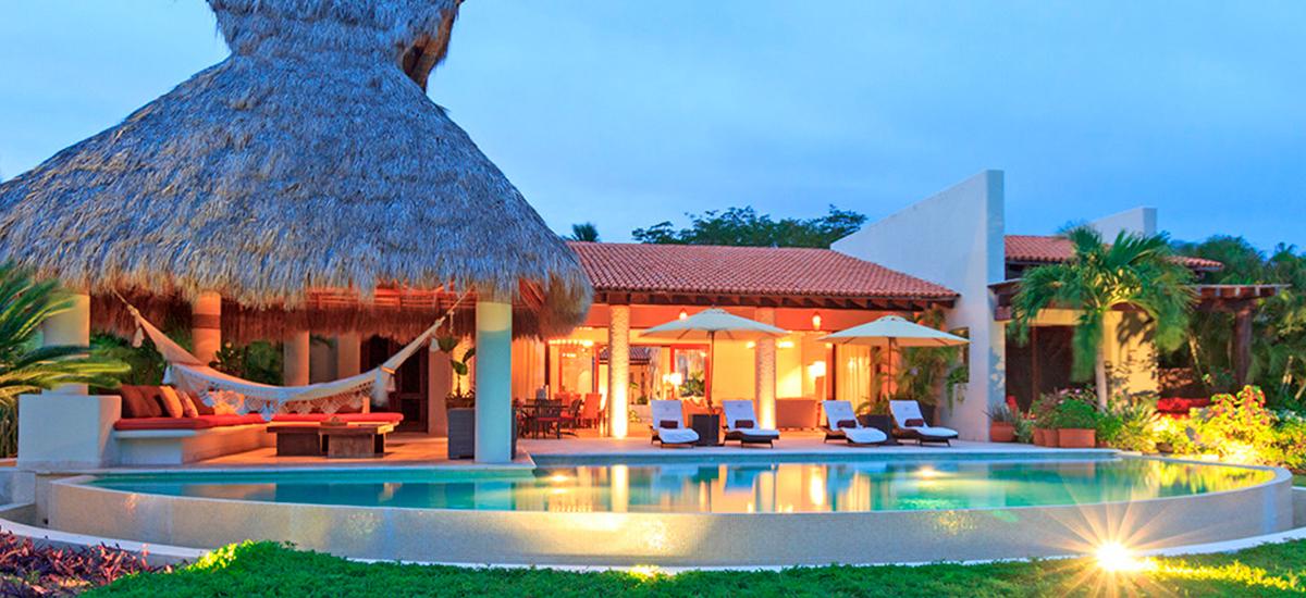 villa alma pool front