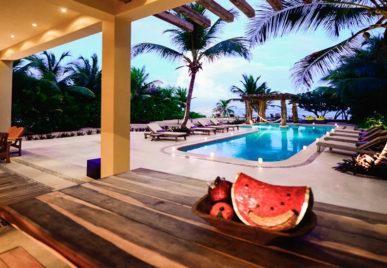 Villa Alma Rosa Pool