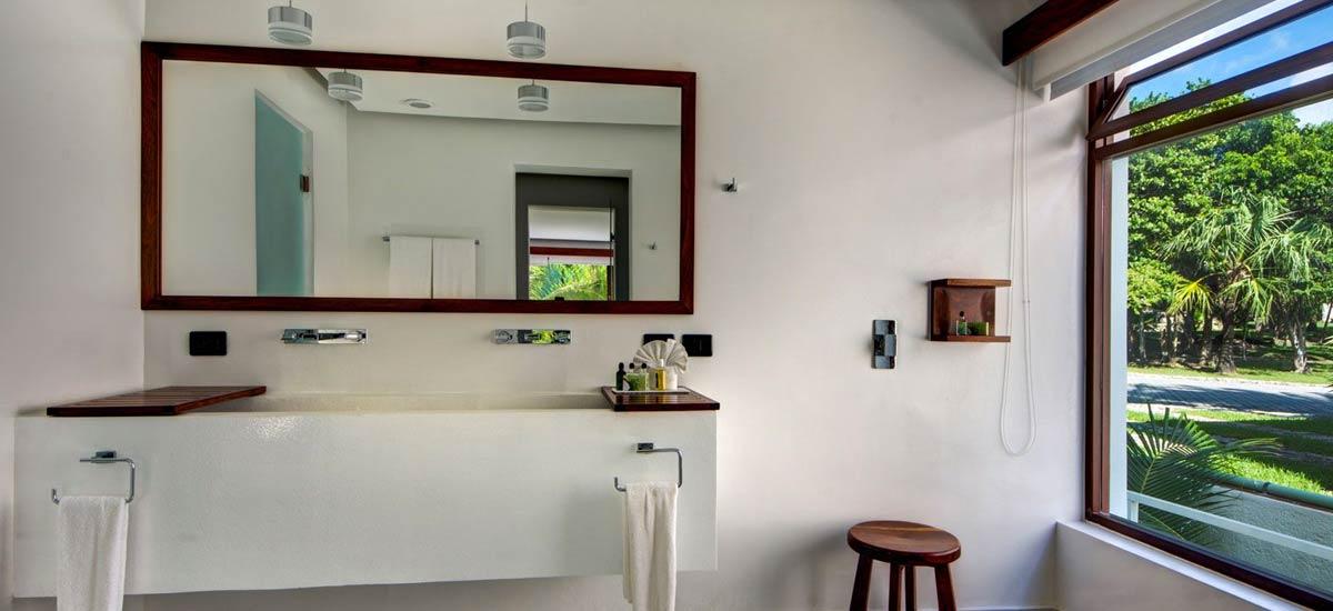 villa alta vista bathroom 2