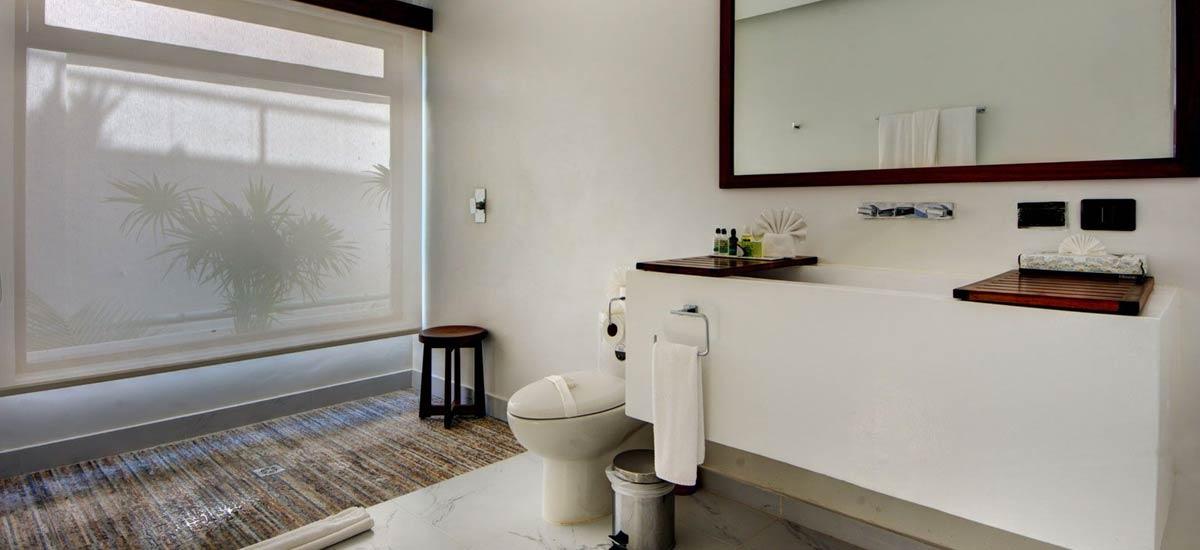 villa alta vista bathroom 3