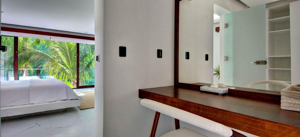 villa alta vista bathroom