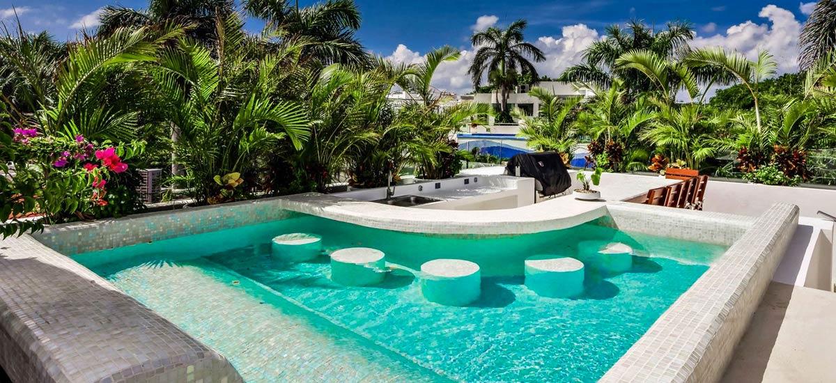 villa alta vista small pool