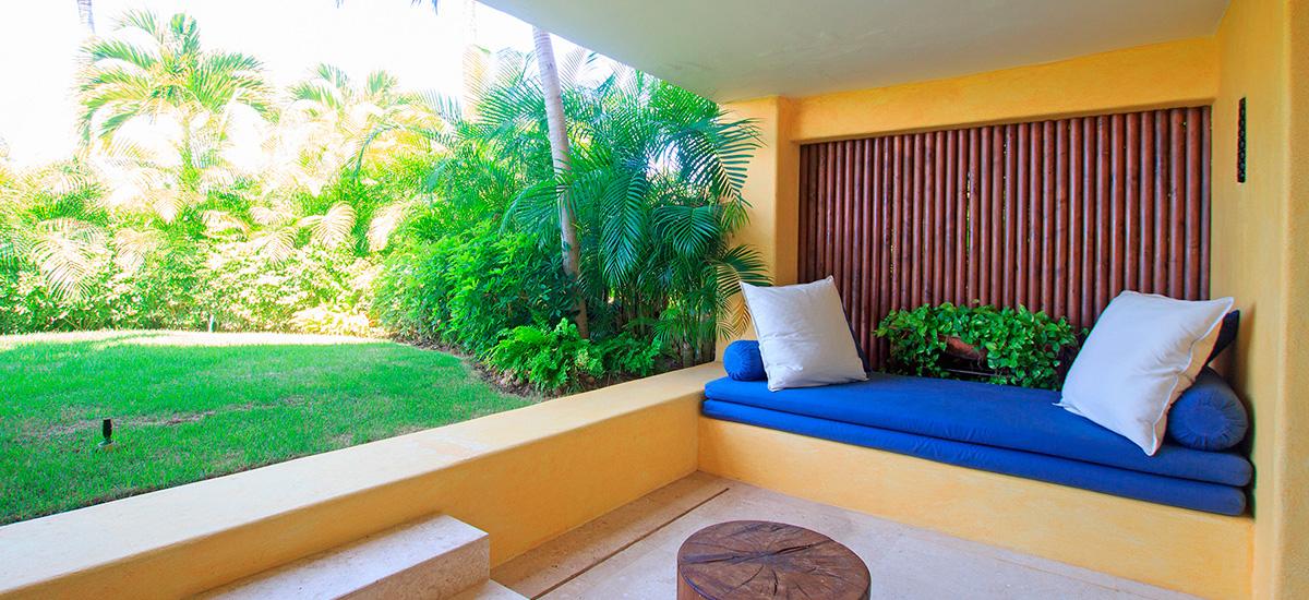 villa austral garden lounge