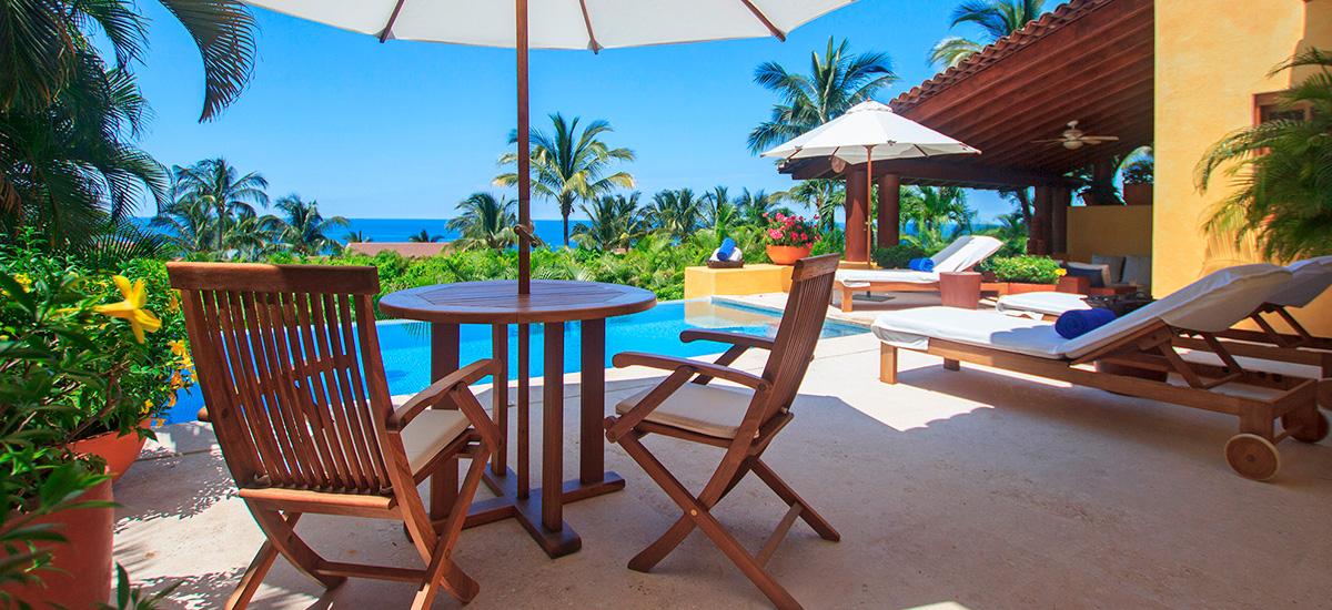 villa austral pool 12