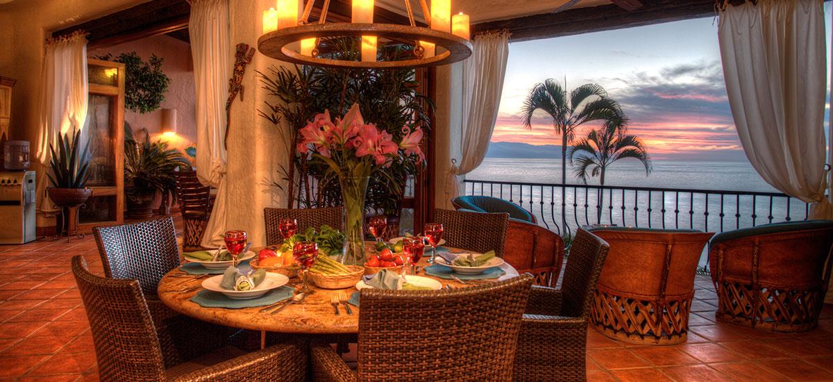 villa azul celeste dinner table