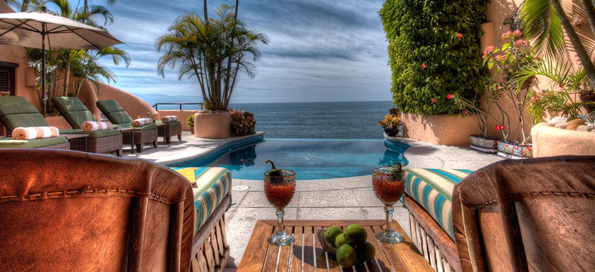 villa azul celeste lounge pool