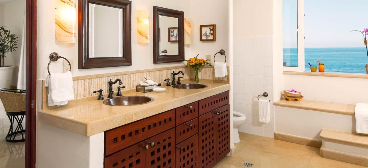 villa balboa dining bathroom
