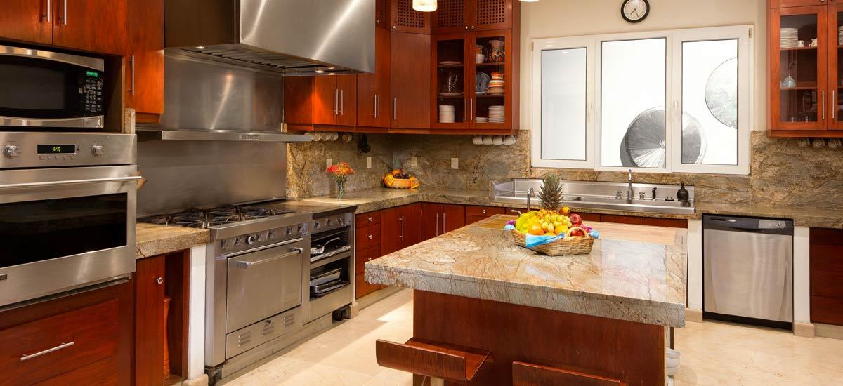 villa balboa dining kitchen