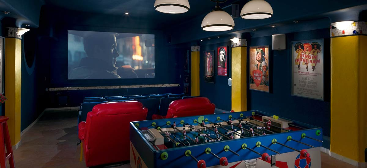 villa balboa media room