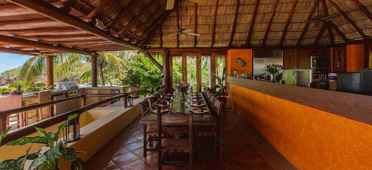 villa cascadas dining