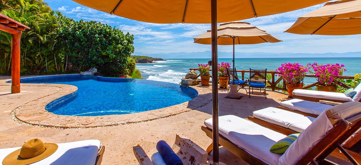 villa cascadas pool