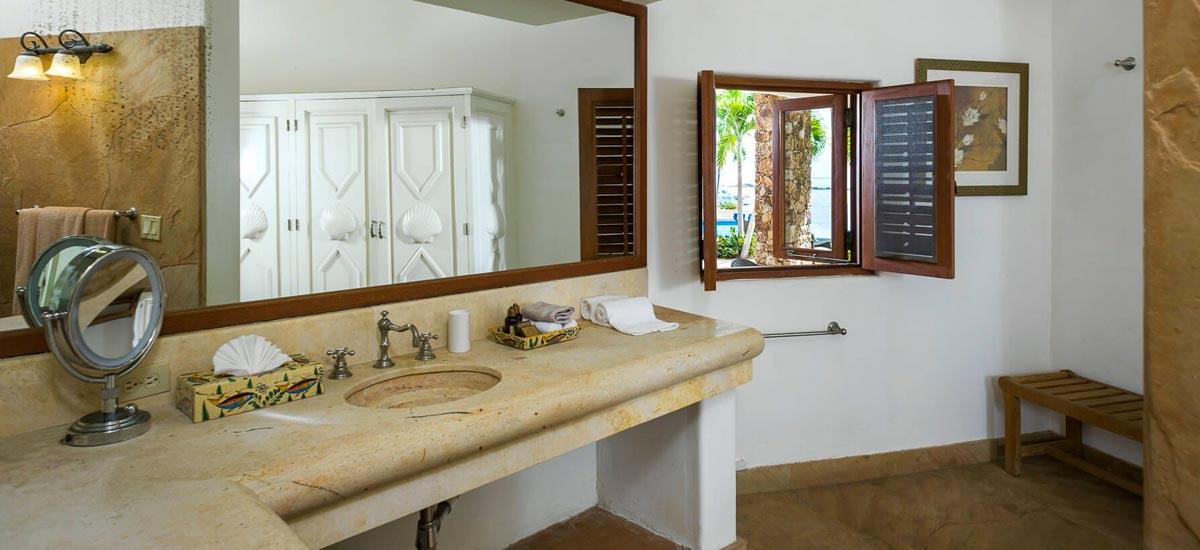 villa cielito bathroom 2