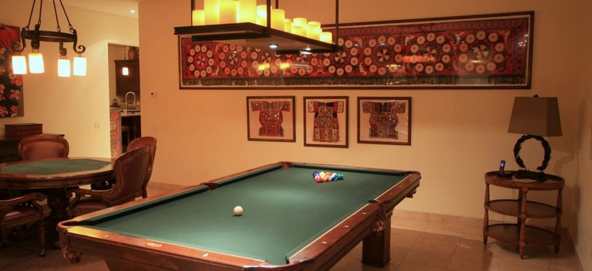 villa cielo pool table