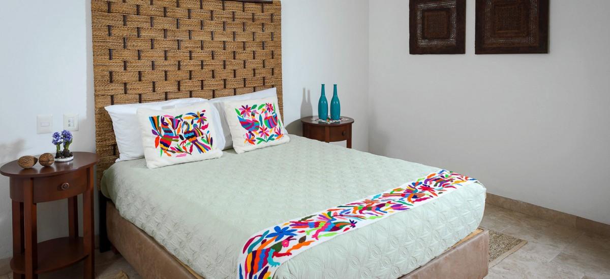 villa de los faros bedroom