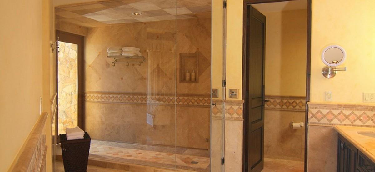 villa de los suenos bathroom 2