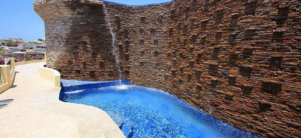 villa de los suenos waterfall
