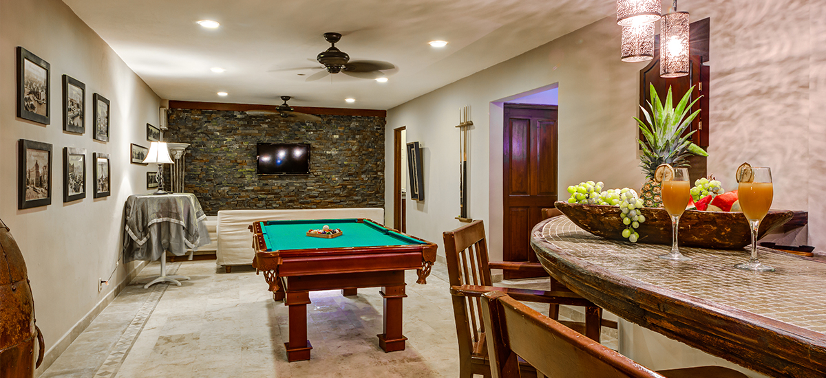 villa del mar game room