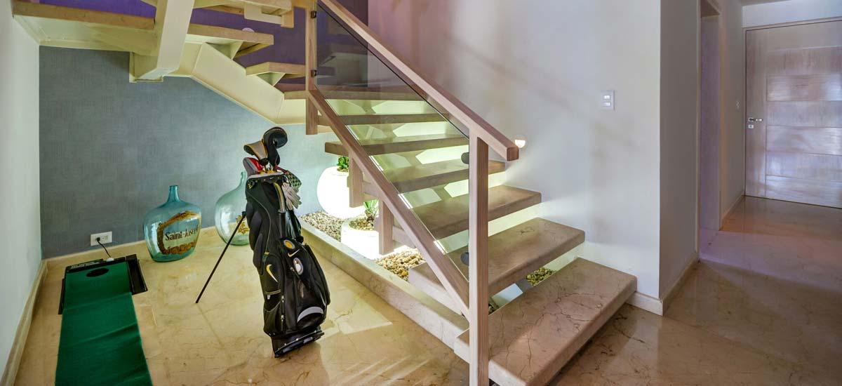 villa el patron stairs
