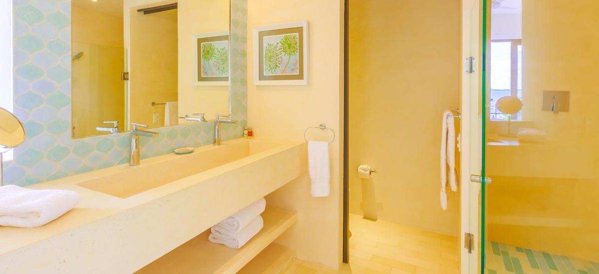 villa encantada bathroom 2