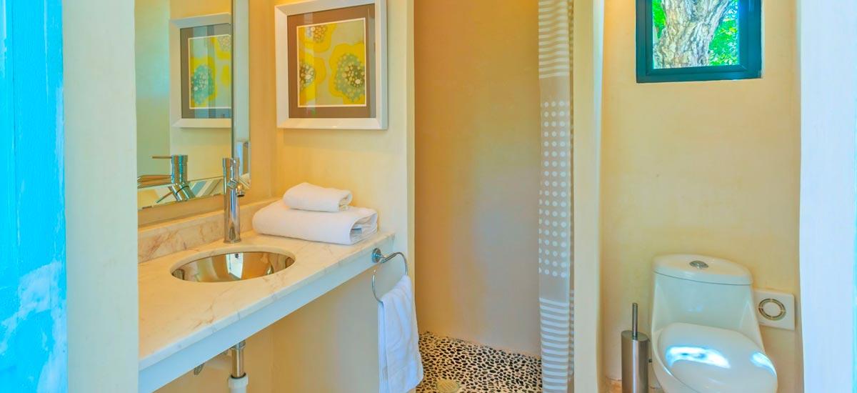 villa encantada bathroom 5