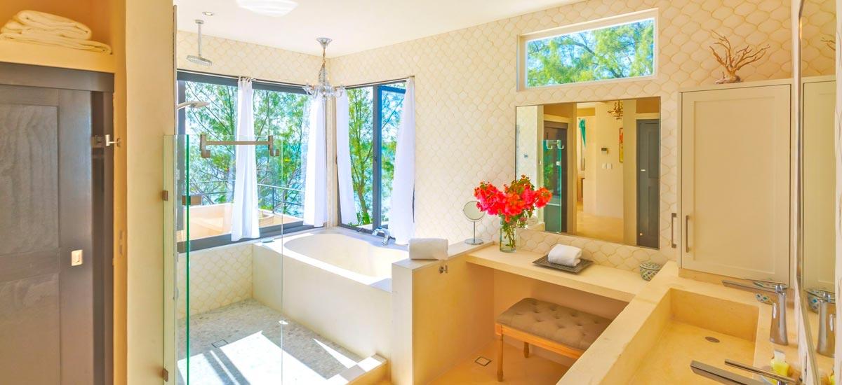 villa encantada bathroom