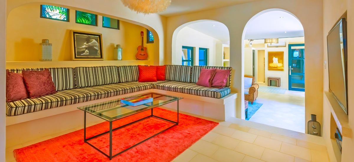 villa encantada licing room 2